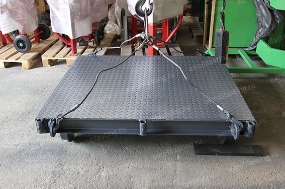 Транспортная тележка для транспортировки изделия в обитаемую камеру